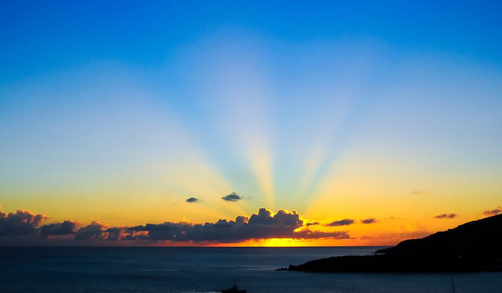 sea-dawn-sky-sunset